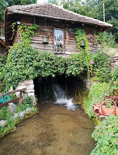 Vodopad Lisine, Veliki Buk, Istočna Srbija, kockice života