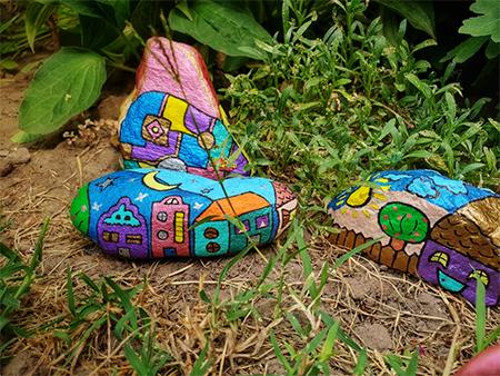 Oslikavanje kamenčića, kockice zivota, kockice života