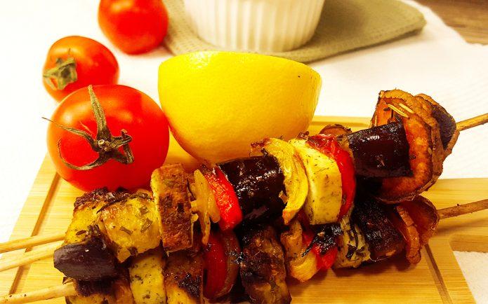 povrće tofu vege ražnjići Vege ražnjići sa tofu sirom i povrćem